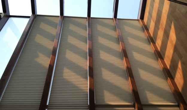 Installation example of floor to ceiling honeycomb window coverings